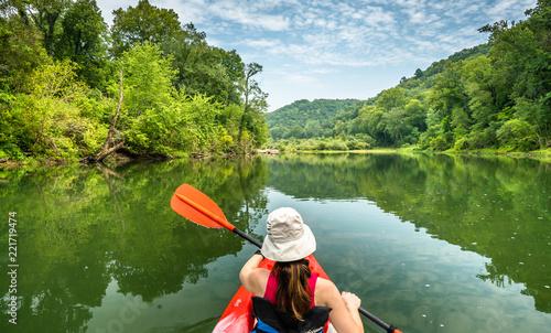 Fotografia Girl Paddling on the Buffalo River Arkansas