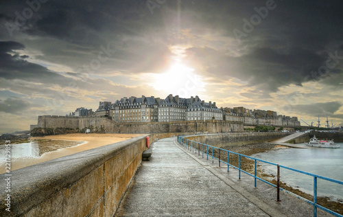 Staande foto Historisch geb. Saint-Malo