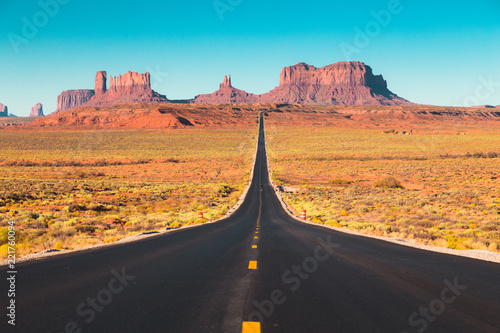 Valokuva  Classic highway view in Monument Valley at sunset, USA