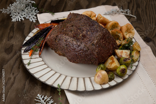 Uncut Roast Beef With Yorkshire Puddings