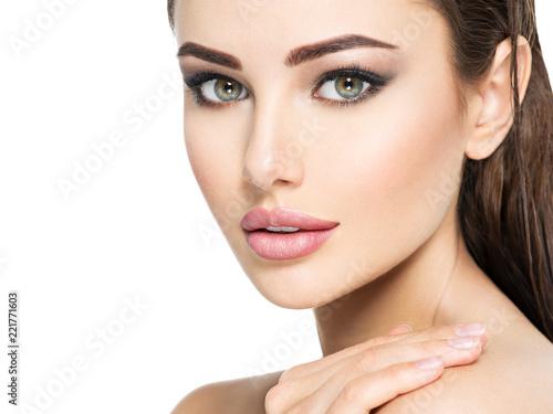 Obraz Beauty face of the young beautiful woman - fototapety do salonu