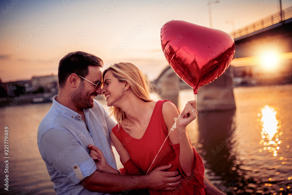 Fototapety, obrazy: Lovely happy couple