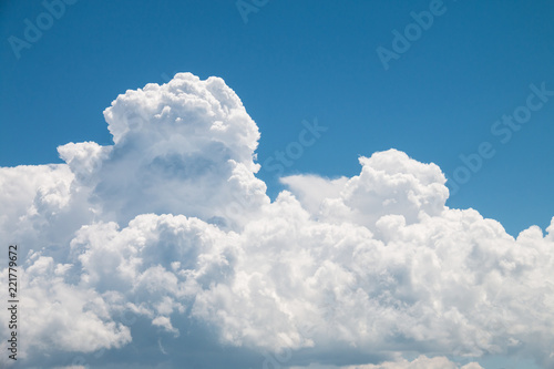 Stickers pour portes Ciel White clouds and blue sky