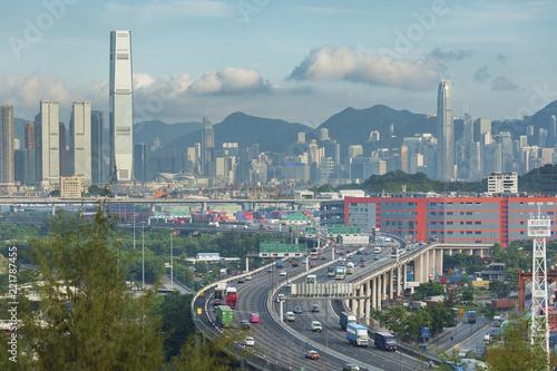 Staande foto Aziatische Plekken Highway and skyline of Hong Kong city