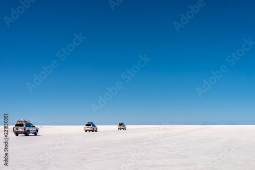 Spoed Foto op Canvas Centraal-Amerika Landen 4x4 cars in Salar de Uyuni, Potosi, Bolivia