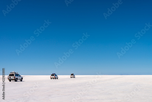 Poster Centraal-Amerika Landen 4x4 cars in Salar de Uyuni, Potosi, Bolivia