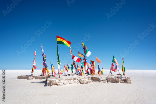Poster de jardin Amérique du Sud Colorful Flags From All Over the World at Uyuni Salt Flats, Bolivia, South America