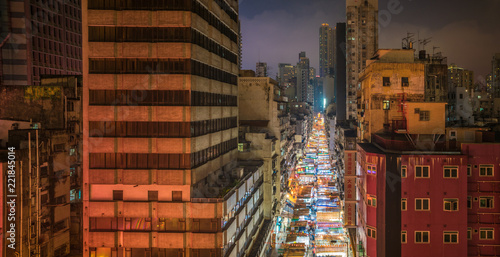 Staande foto Aziatische Plekken Temple Street Night Market in Hong Kong