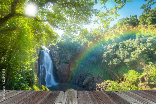 Photo sur Aluminium Pistache Hew Narok, beautiful waterfall in Khao Yai national park of Thailand with sun rays and rainbow.