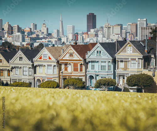 Foto op Plexiglas Amerikaanse Plekken Painted Ladies at Alamo Square, San Francisco, California, USA