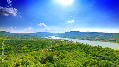 Fotografia  Beautiful panoramic image of the river valley of Duna, at Visegrad, Hungary