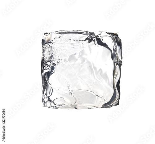 kwadrat kostki lodu na białym tle