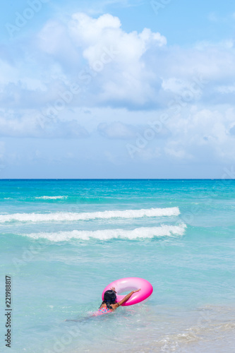 Fotografia, Obraz  Young Swimmer at a Famous Beach in Cuba