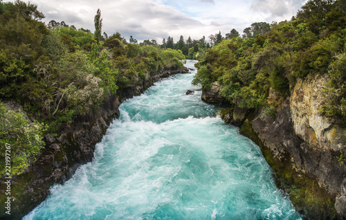 Foto auf Gartenposter Fluss The upstream of Huka falls an iconic tourist most natural attraction place in Taupo, New Zealand. View from pedestrian bridge.