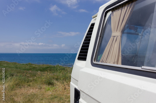 Photo  campervan by the sea