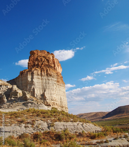 Valokuva  Butte In The Red Desert in Wyoming