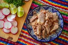 Carnitas De Puebla, Con Rábanos Y Limones