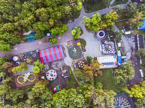city amusement parks with various attractions aerial top view Fototapet