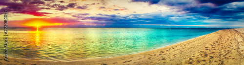 Foto op Canvas Strand Seaview at sunset. Amazing landscape. Beautiful beach panorama
