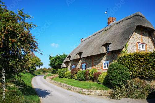 Fényképezés Thatched Cottage English Village House