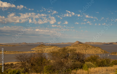 In de dag Donkergrijs Landscape Gariep Dam in the Karoo natural region of South Africa image with copy space