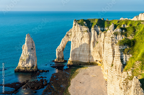 Платно Natural chalk arch at Etretat, France