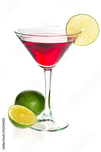 Staande foto Opspattend water Red Cocktail with Lime Garnish