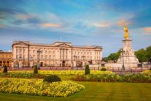 Buckingham Palace Is The Londo...