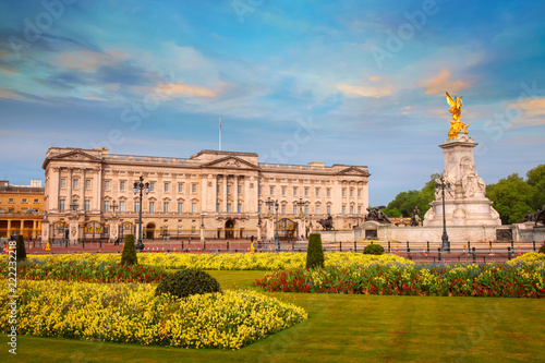 Fotobehang Historisch geb. Buckingham Palace is the London, UK