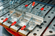 Metal Corners Clamped With Cla...