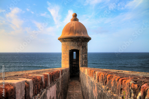 Foto op Plexiglas Caraïben Beautiful sentry box (Guerite) at Fort San Cristobal in San Juan, Puerto Rico