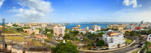 Foto op Plexiglas Caraïben Beautiful panoramic view of the cityscape of San Juan, Puerto Rico, seen from San Cristobal