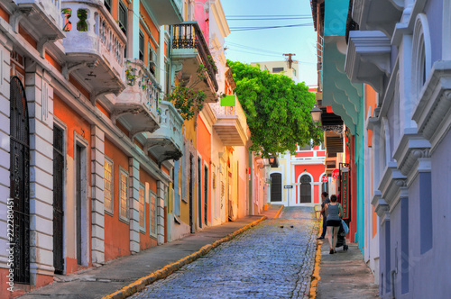 Spoed Fotobehang Centraal-Amerika Landen Beautiful typical traditional vibrant street in San Juan, Puerto Rico