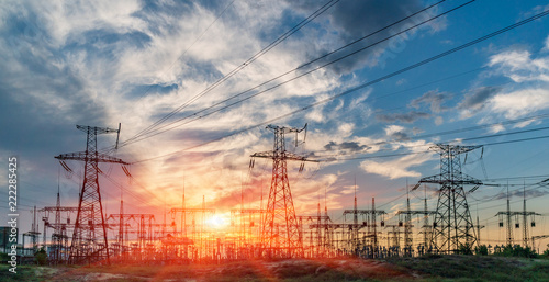 Fotografiet  distribution electric substation with power lines and transformers