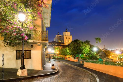 Montage in der Fensternische Karibik Beautiful summer cityscape of old San Juan, Puerto Rico, at the blue hour at night