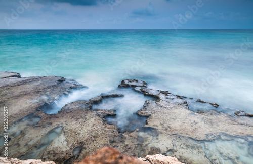 Photographie  Sea rocky coast. Long exposure photo