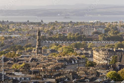 Poster de jardin Paris St Mary's Parish Church and Edinburgh skyline