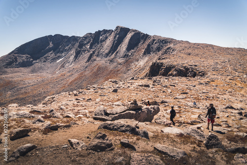 Spoed Foto op Canvas Zalm Landscape view of people hiking to Mount Evans in Colorado.