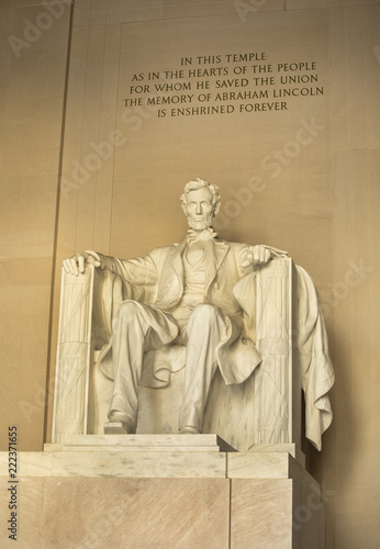Photographie  Statue of Abraham Lincoln Memorial on the National Mall in Washington DC USA