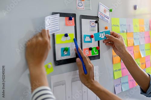 Fotografía  Creative Web Designer planning application and developing template layout, framework for mobile phone