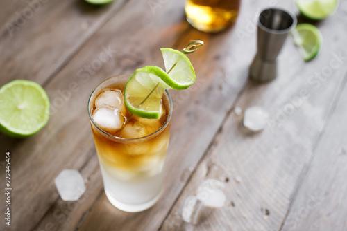 Fotografija Dark and Stormy Rum Cocktail