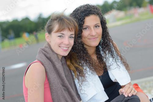 Fotografiet  Portrait of two sportswomen