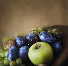 Seasonal Thanksgiving Fruit In Wooden Bowl.