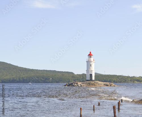 Spoed Foto op Canvas Vuurtoren Vladivostok, Tokarevskaya lighthouse