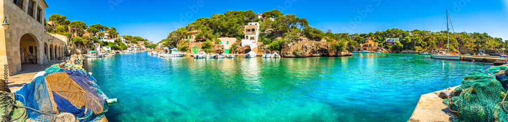Fototapety, obrazy: Panoramic view of old fisher village and boats at bay coast of Mallorca island
