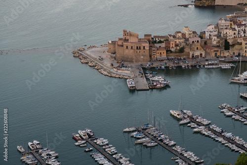 Urlaubsort Castellammare del Golfo auf Sizilien am Abend Canvas Print