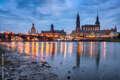 Spoed Foto op Canvas Europese Plekken Das Elbufer in Dresden, Sachsen, Deutschland