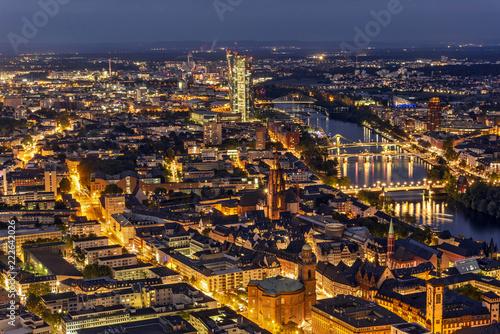 Keuken foto achterwand Stad gebouw Blick vom Main Tower auf die historische Altstadt von Frankfurt am Main mit der Europäischen Zentralbank im Hintergrund