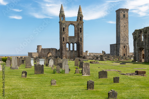Foto op Aluminium Rudnes Graveyard with tombstones near ruin of St Andrews Cathedral ,Scotland