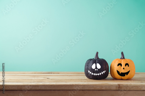 Foto Halloween holiday concept with jack o lantern